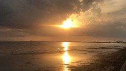 Bin T Davis Beach