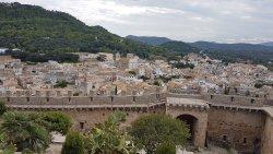 Widok na miasteczko z murów