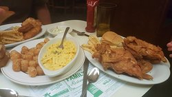 Broasted chicken, tator tots, mac & cheese