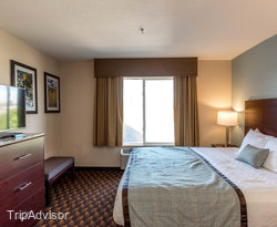 The King Suite at the Best Western Plus Gateway Inn & Suites