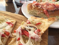 grilled pizzett and lobster roll