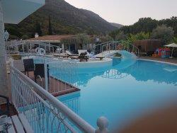 swim up room beautiful pool