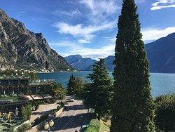 Schönes und gutes Hotel in ruhiger Lage direkt am See