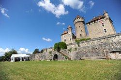 Le Chateau de Montrottier
