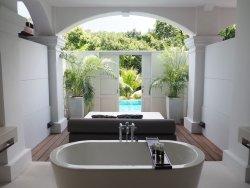 Couple suites with direct pool access-Larkhill Terrace Suites