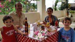 Diveertida familia de Holanda y Ecuador. Gracias amigos por vuestra visita.