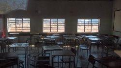 Die Schule. War noch geschlossen wegen Winterferien.