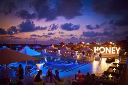 Honey Beach Club