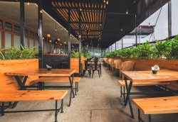 Jonky Cafe & Brewery