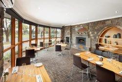 Enjoy Lake Side dining for dinner Monday - Thursday night
