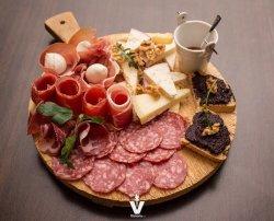 Victoria club dinner