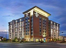 奧馬哈市中心希爾頓惠庭套房飯店