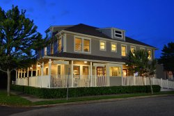 Bay Breeze Inn and Bistro