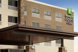 Holiday Inn Express & Suites Cincinnati South - Wilder