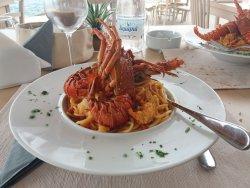 Φαγητο διπλα στην θαλασσα