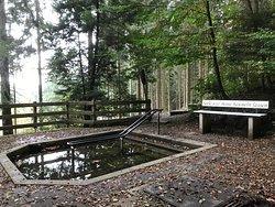 Wassertretbecken an der Sachsenquelle