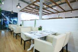 Breeze Café & Bar