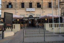 Point de Vue Guesthouse and Restaurants