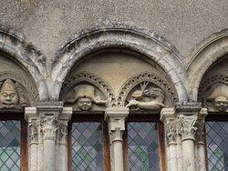 Maison romane du XIIe siècle tout près du Week End (détail)