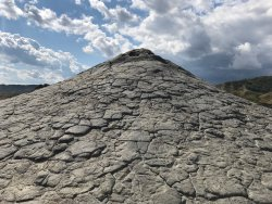 Vulcanii Noroiosi (Muddy Volcanoes)