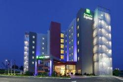 Holiday Inn Express Tuxpan