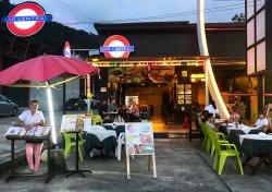 Bar Central Nam Oi Bar and Thai Food