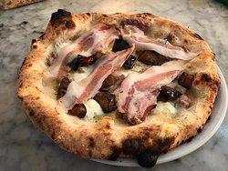 Lo Squalo Pizzeria
