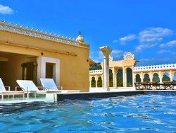 Hotel Fateh Niwas