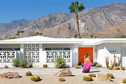 Experience Desert Modernism - Mid- century modern architecture in Palm Springs (284384226)