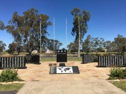 Horsham & District War Memorial & Cenotaph