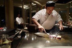 Nostro chef cucina direttamente davanti a voi