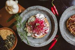 San Pedrito - Restaurante y Licoreria Mexicana