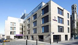 Premier Inn Edinburgh City Centre (York Place)