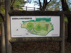雷神山古墳 全体案内図です