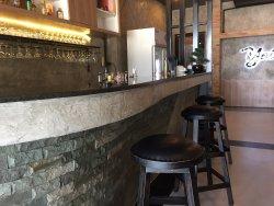 YoLo Bar&Bistro