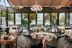 ‪Windows Restaurant at Hotel d'Angleterre‬