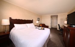 Mount Peyton Hotel
