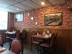 Dyersville Family Restaurant