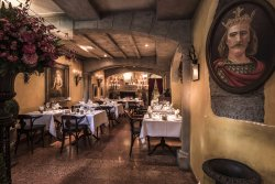 King's Cave Grillrestaurant