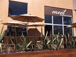 MEET Restaurant & Lounge