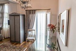 Le Bijou Luxury Suites