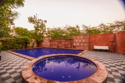 Mandore Guest House - a leafy resort.