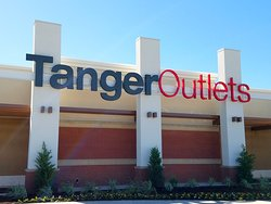 ‪Tanger Outlets Fort Worth‬