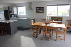 Sefton upstairs apartment with lake view