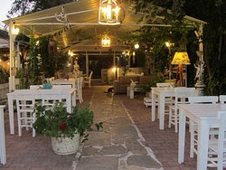 Le Jardin Cafe & Restaurant