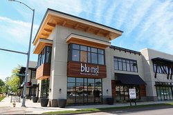Blu Mist Restaurant & Bar