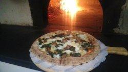 """Antica Pizzeria Friggitoria """"La Rotonda"""""""