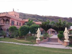 LUXIRIOUS, ROYAL STAY AT MARUGARH RESORT