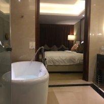 Guolong Hotel