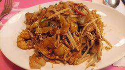 Char Kuay Teow (incorrectly advertised as Penang style - it is NOT)